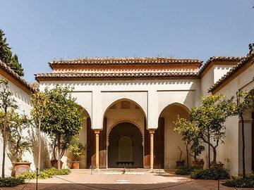 Free Tour Alcazaba and Medieval Malaga